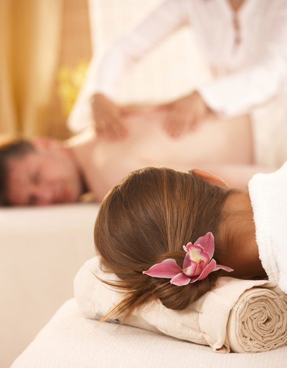 Couples massage in Watford